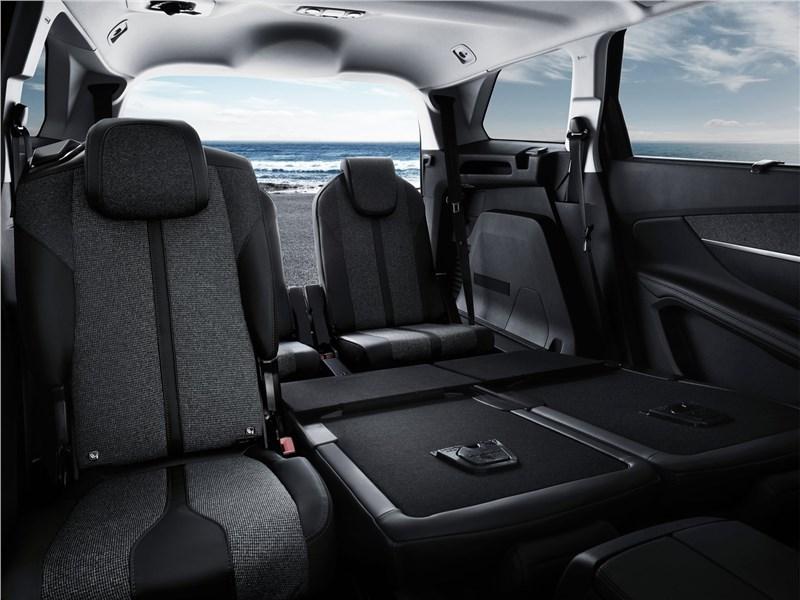 Peugeot 5008 2017 кресла для пассажиров