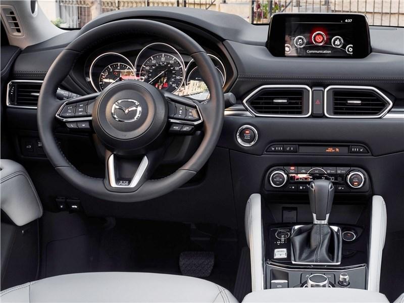 Mazda CX-5 2017 водительское место