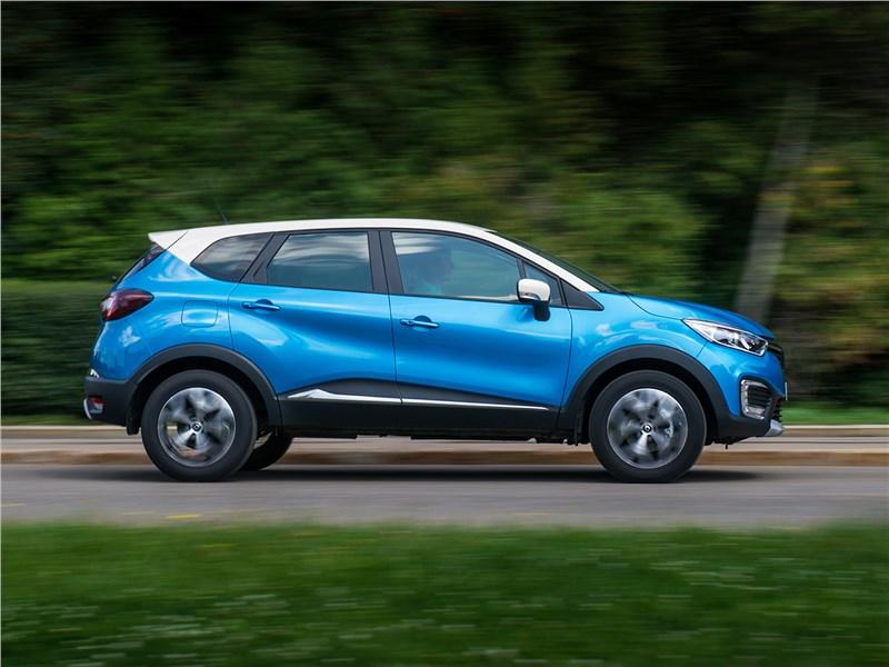Renault Kaptur 2016 вид сбоку