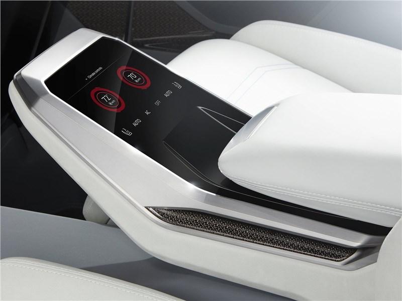 Audi Q8 concept 2017 пульт управления