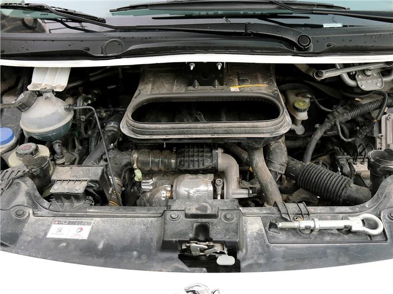 Peugeot Expert Profi Transformer 2014 двигатель