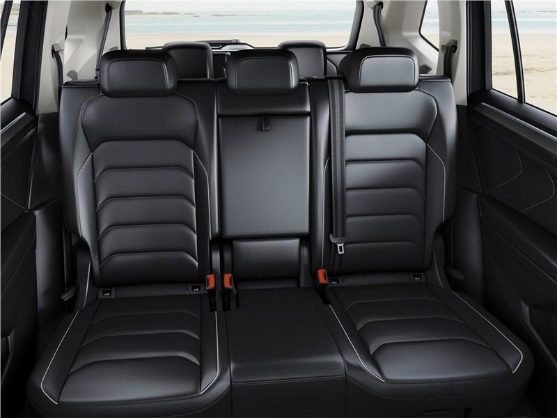 Volkswagen Tiguan Allspace 2018 второй ряд
