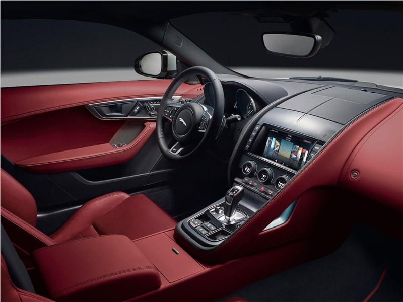 Jaguar F-Type 2018 салон