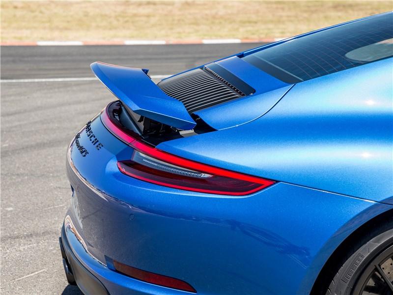 Porsche 911 GTS 2018 антикрыло