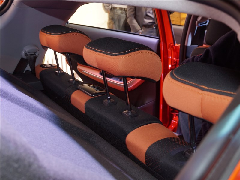 Chery Tiggo 2 2017 подголовники для задних пассажиров