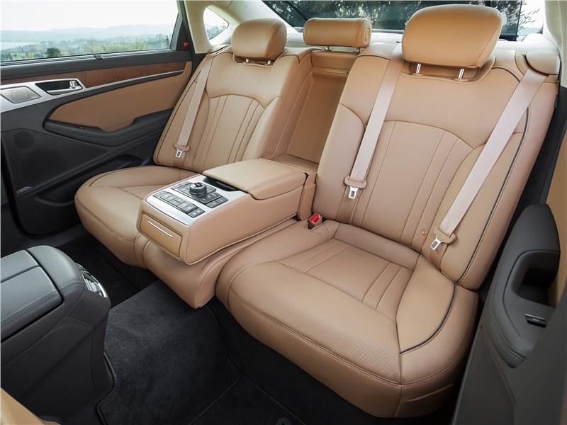 Hyundai Genesis 2017 задний диван