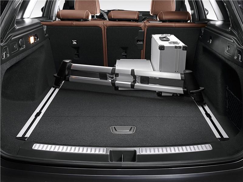 Opel Insignia Country Tourer 2018 багажное отделение