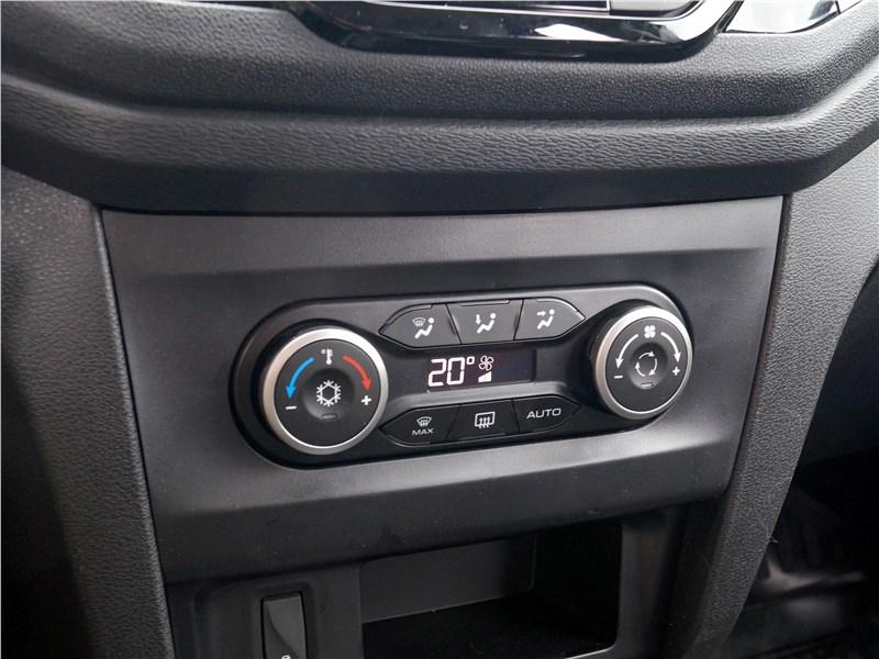 Lada XRay 2015 климатическая установка