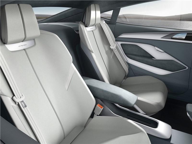Audi e-tron Sportback Concept 2017 задние кресла