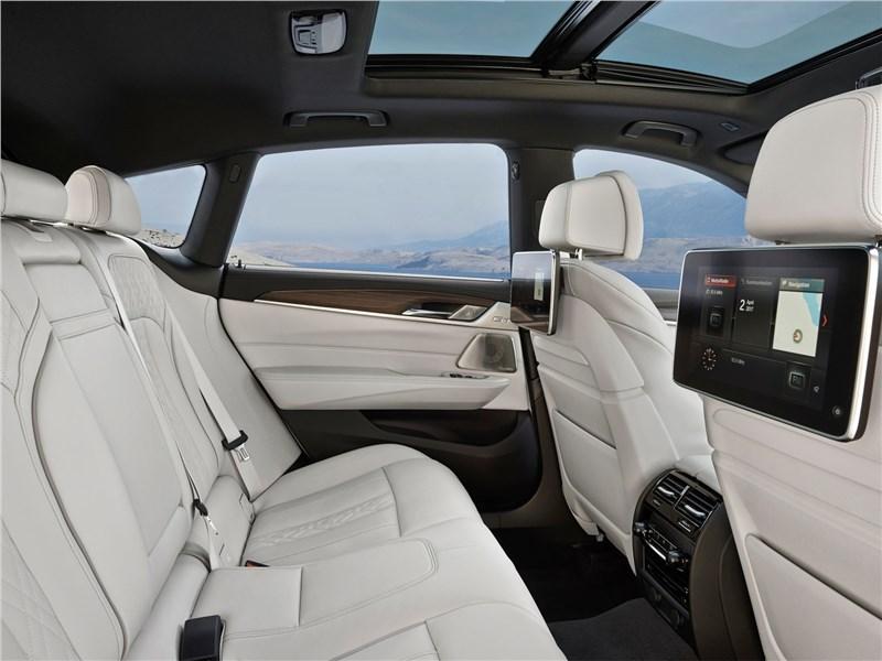 BMW 6-Series Gran Turismo 2018 задний диван