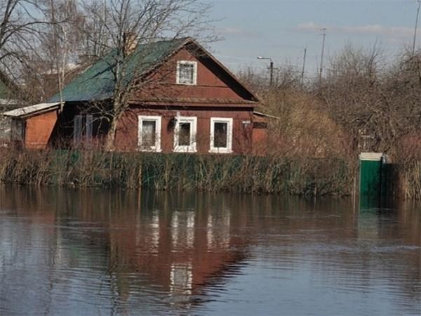 В Ленинградской области из-за подтопления местами перекрыто движение