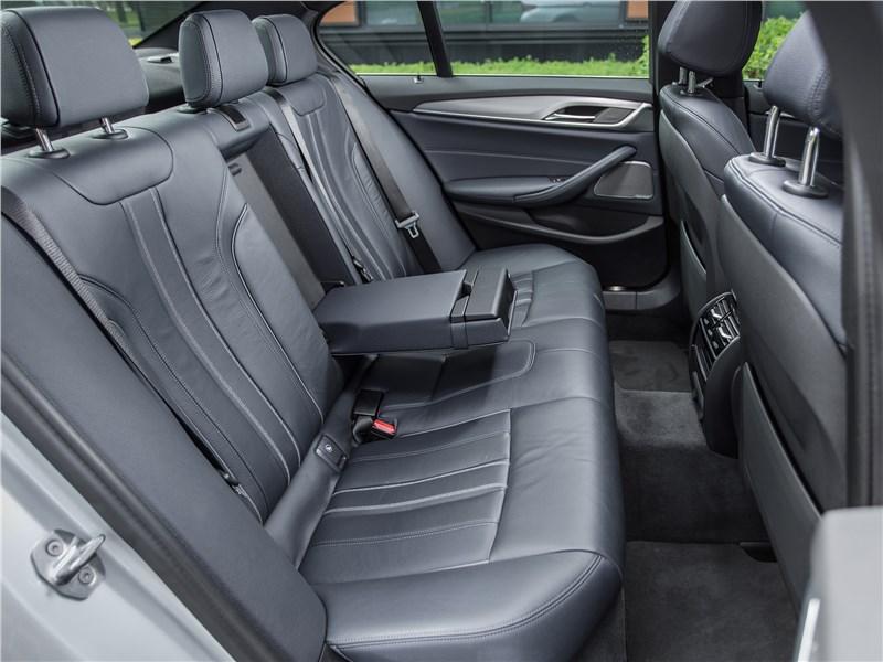 BMW 520d xDrive 2017 задний диван