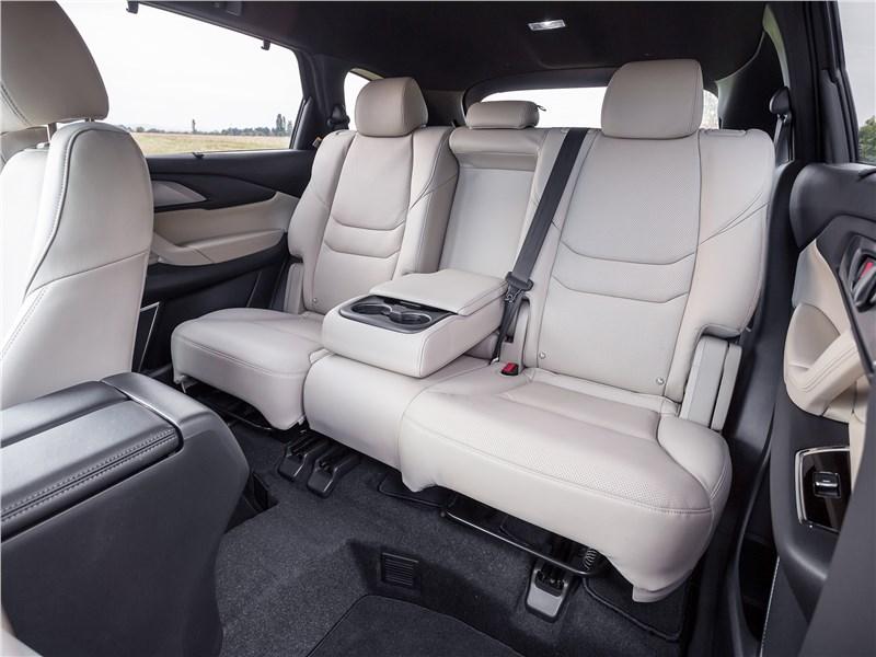 Mazda CX-9 2016 второй ряд