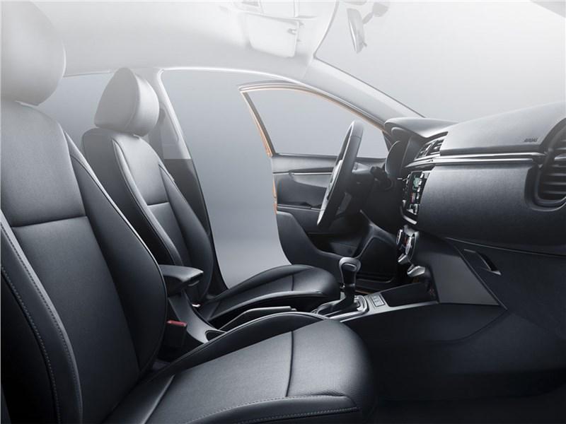 Kia Rio X-Line 2017 передние кресла
