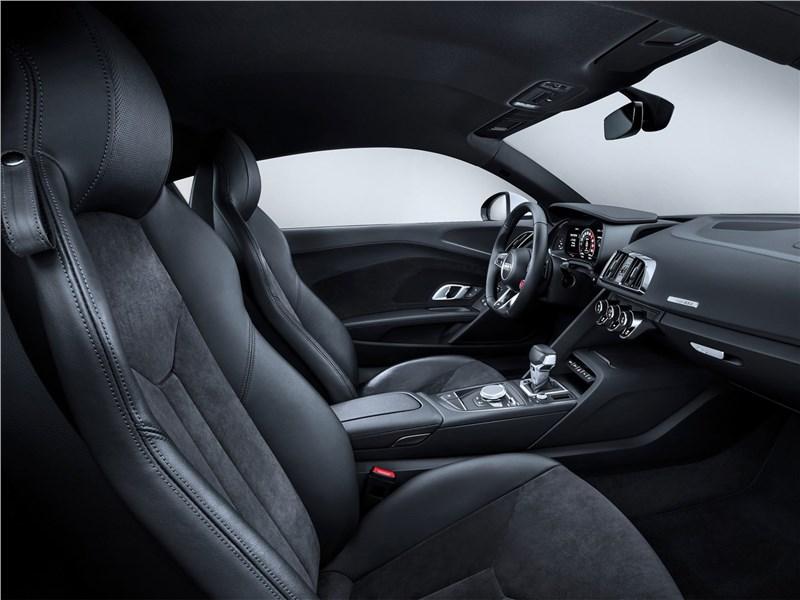 Audi R8 RWS 2018 кресла