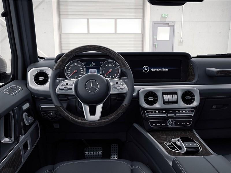 Mercedes-Benz G-Class 2019 водительское место