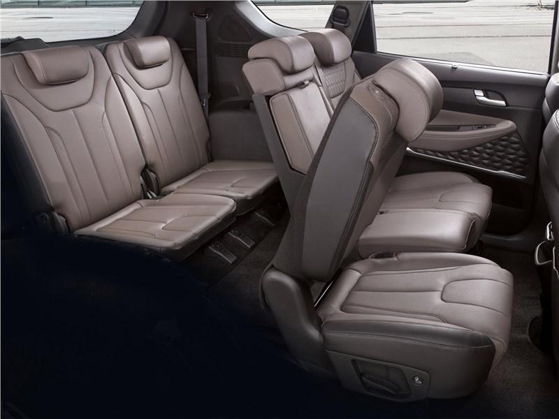 Hyundai Santa Fe 2019 второй и третий ряды