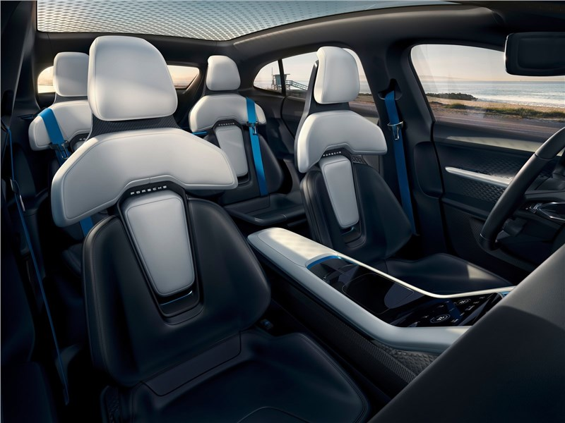 Porsche Mission E Cross Turismo Concept 2018 передние кресла
