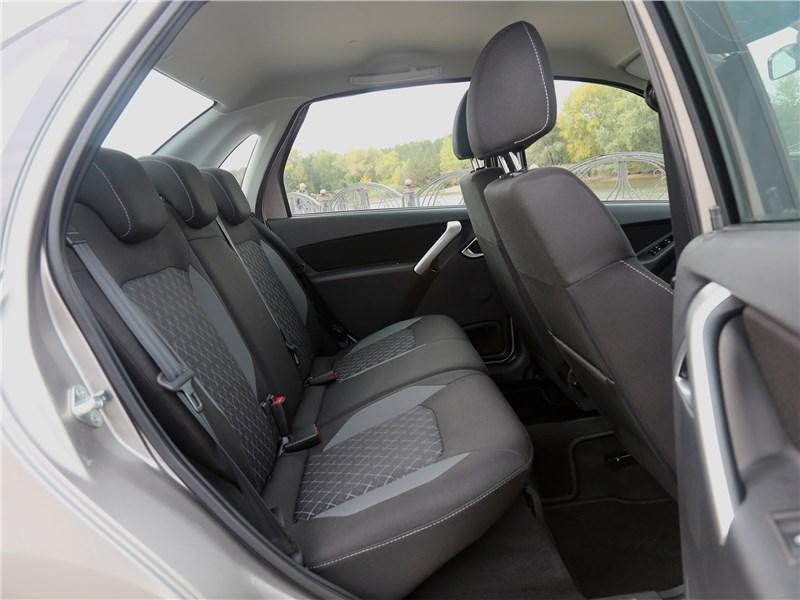 Lada Granta 2019 задний диван
