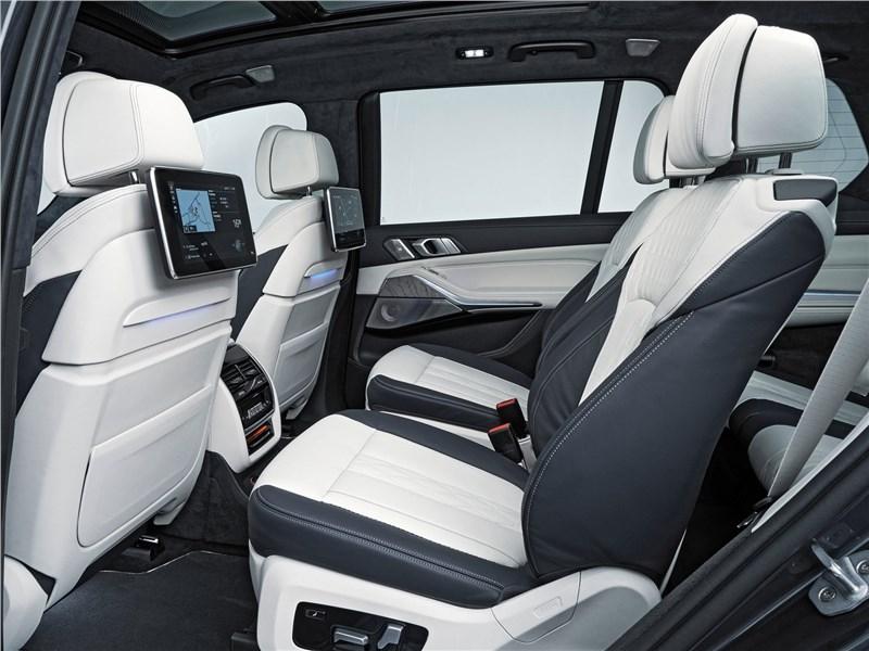 BMW X7 2019 второй ряд