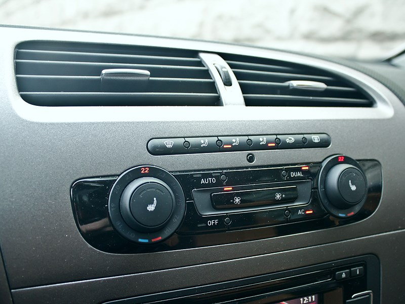 SEAT Leon FR 2012 управление климатом