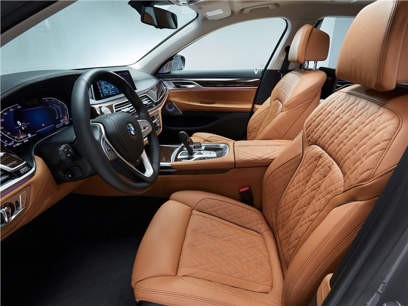 BMW 7-Series 2019 передние кресла