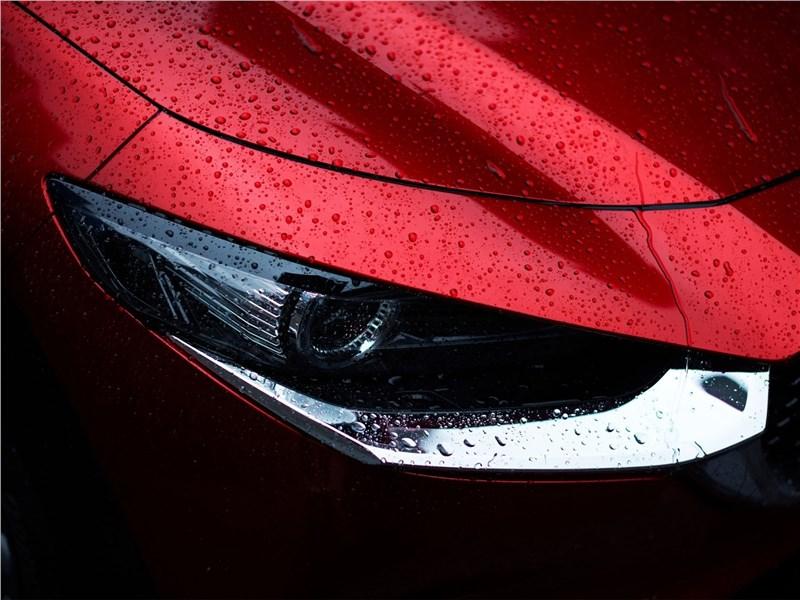 Mazda CX-30 2020 передняя фара