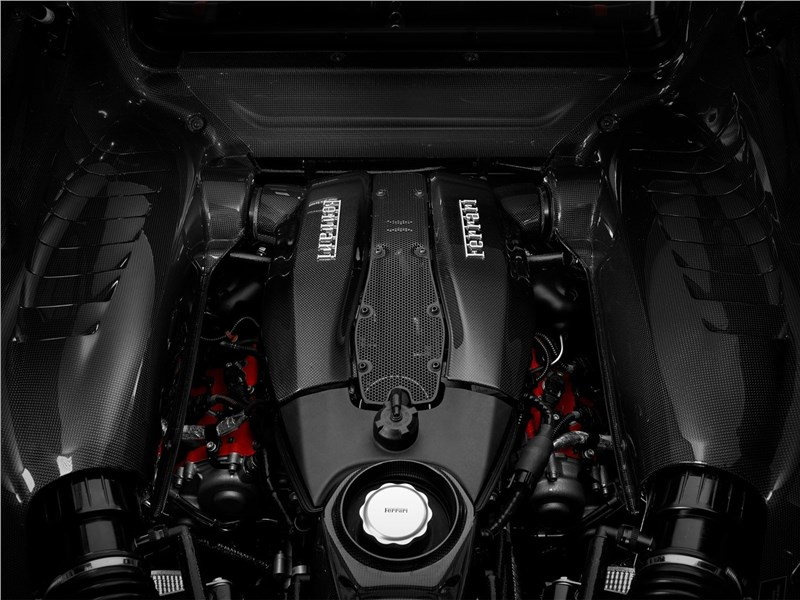 Ferrari F8 Tributo 2020 двигатель