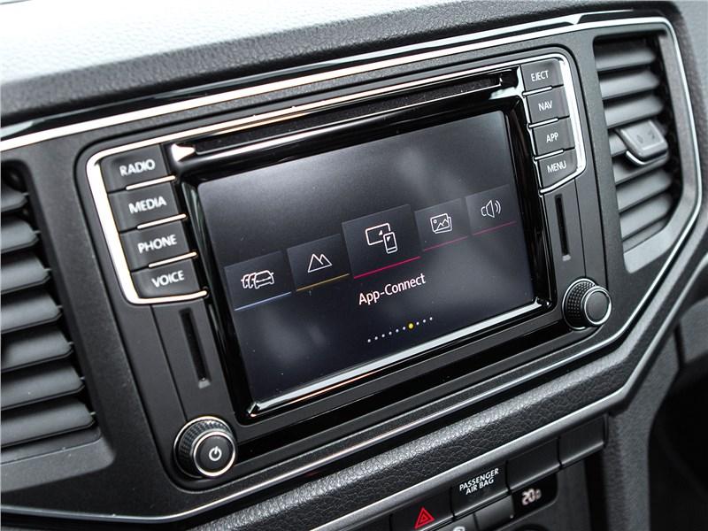 Volkswagen Amarok Dark Label 2019 монитор