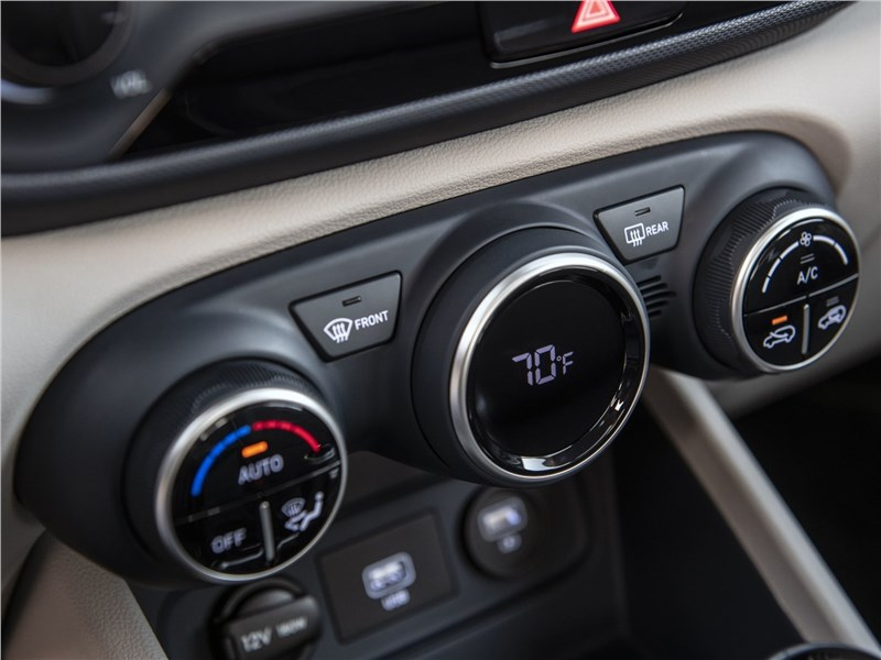 Hyundai Venue 2020 управление климатом