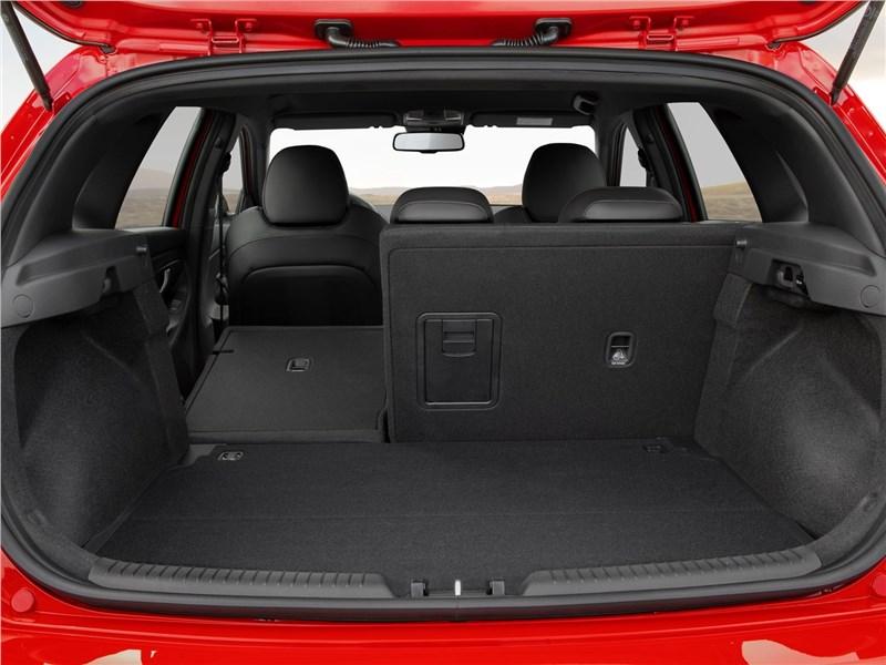 Hyundai i30 N Line 2019 багажное отделение
