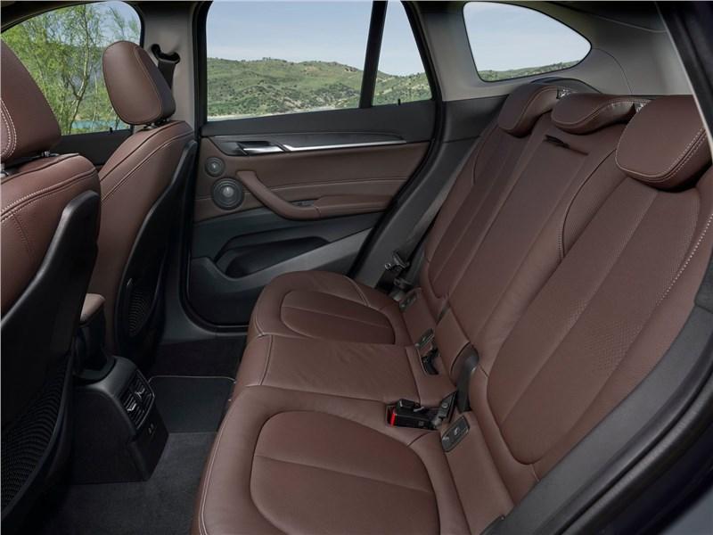BMW X1 2020 задний диван