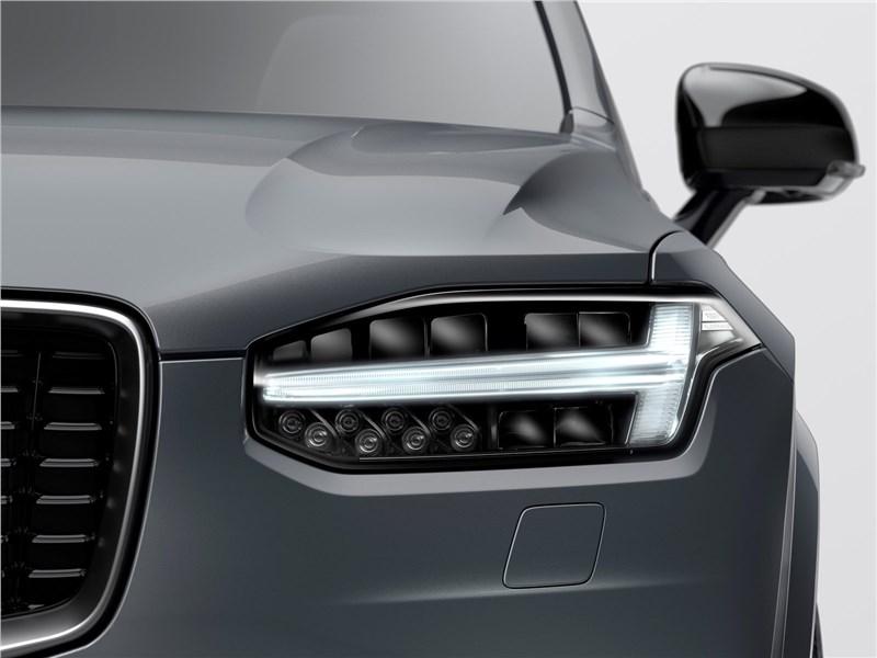 Volvo XC90 2020 передняя фара