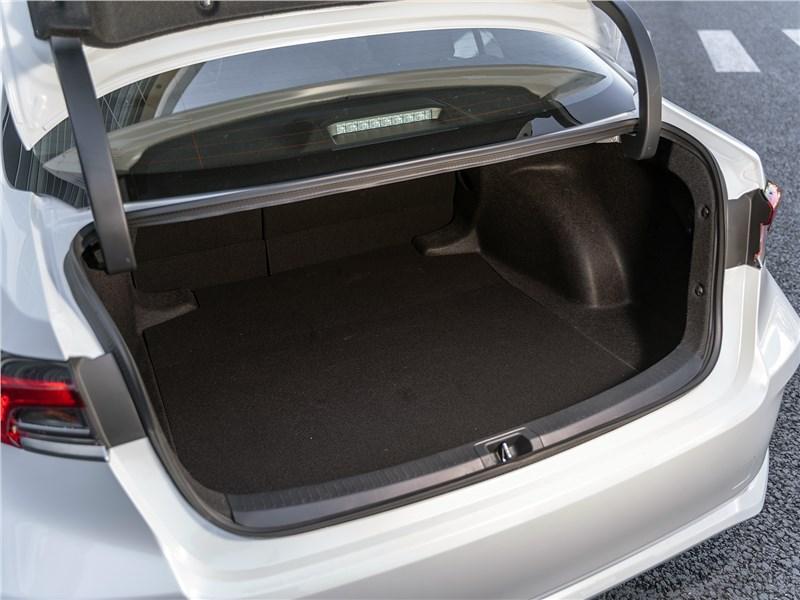 Toyota Corolla 2019 багажное отделение
