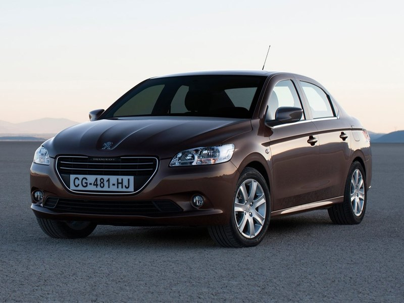Компания Peugeot выпустила на российский рынок самый длинный и широкий седан