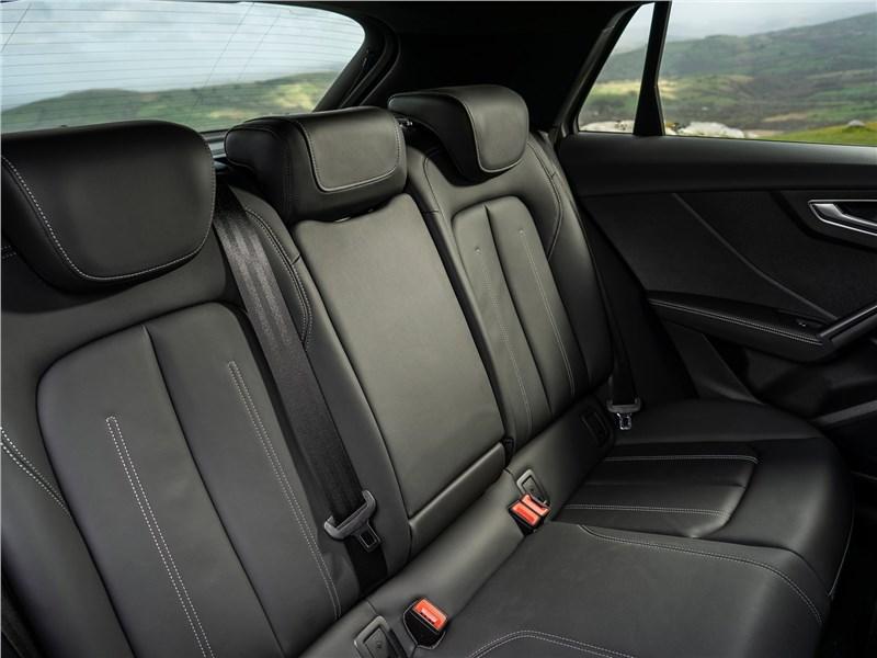 Audi SQ2 2019 задний диван