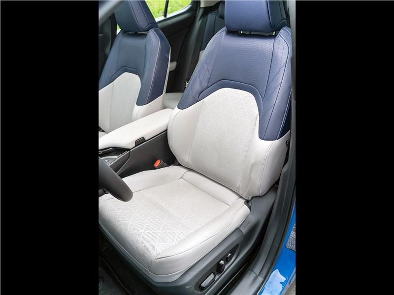 Lexus UX 200 2019 кресло водителя