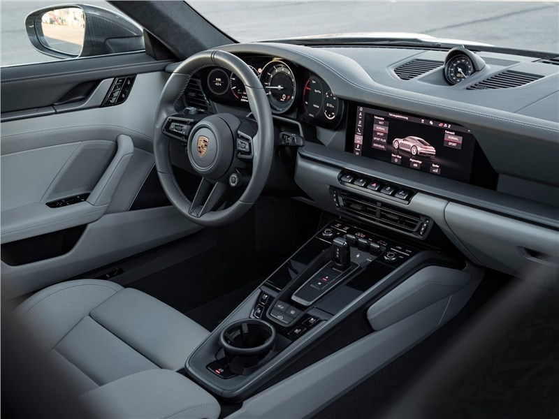 Porsche 911 Carrera 2019 салон