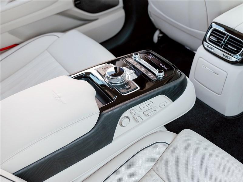 Genesis G90 2019 подлокотник для пассажиров