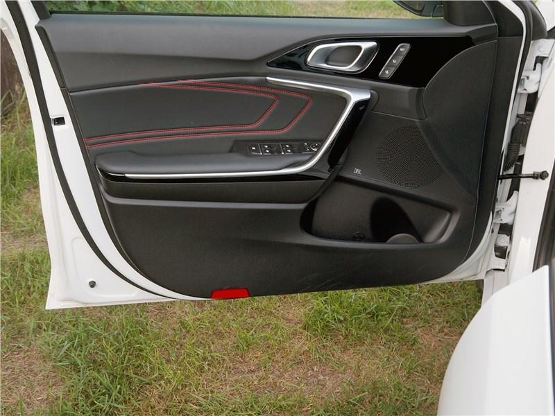 Kia ProCeed GT 2019 дверь