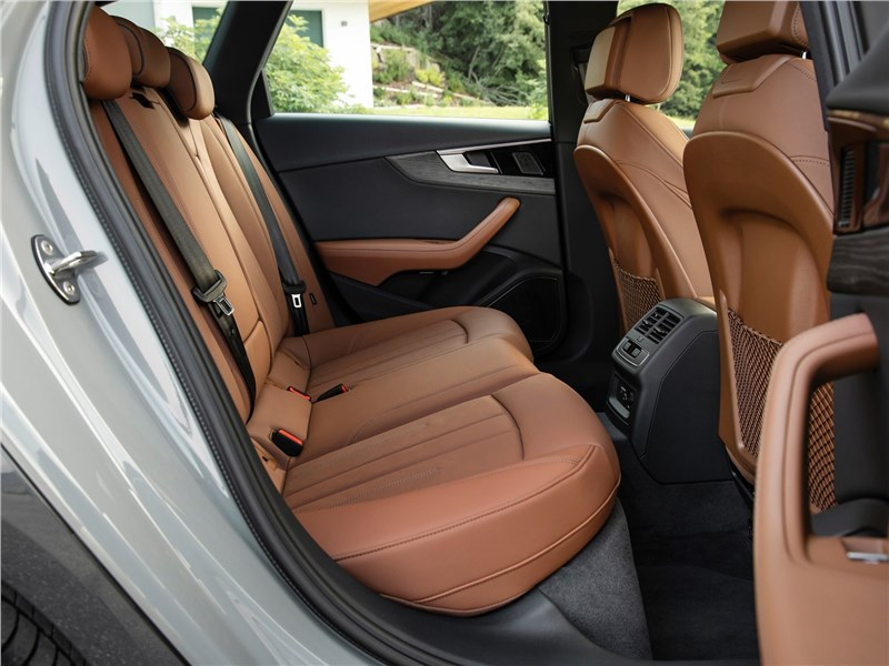 Audi A4 allroad quattro 2020 задний диван