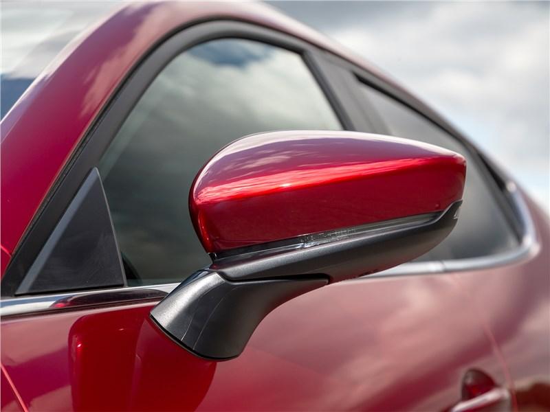 Mazda 3 2019 боковое зеркало