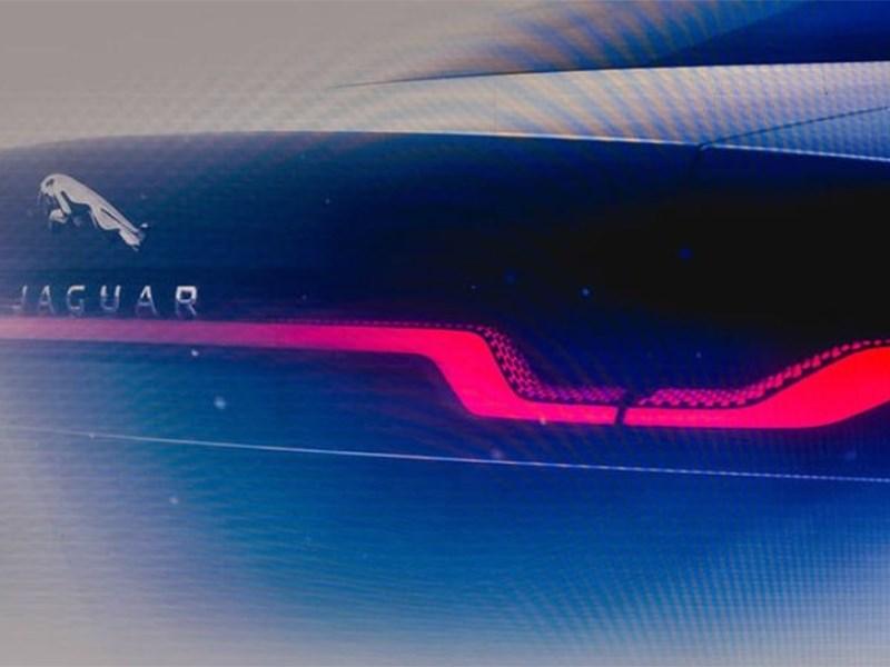 На премьере Defender презентовали новый Jaguar XJ Фото Авто Коломна