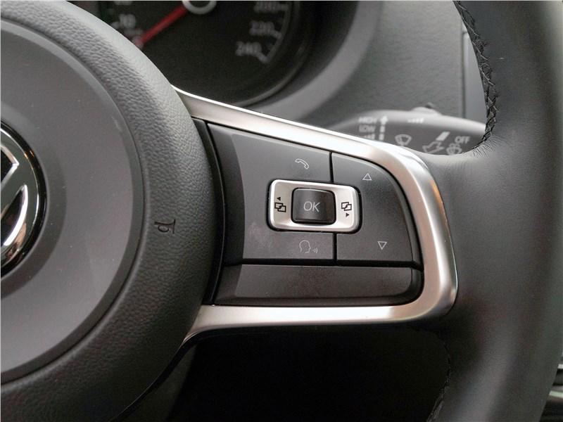 Volkswagen Polo Sedan 2016 руль