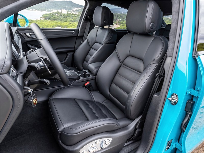 Porsche Macan 2019 передние кресла
