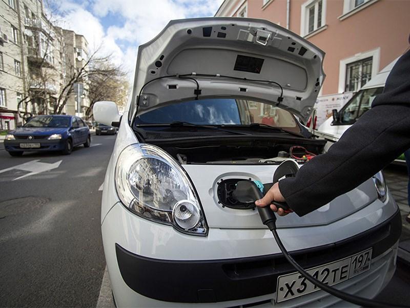 В Москве отменили транспортный налог для электромобилей Фото Авто Коломна