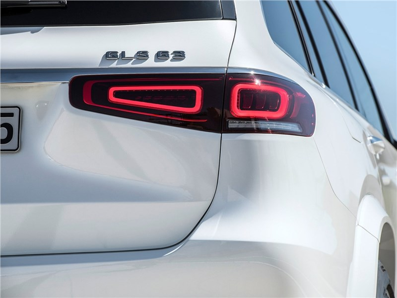 Mercedes-Benz GLS63 AMG 2021 задний фонарь
