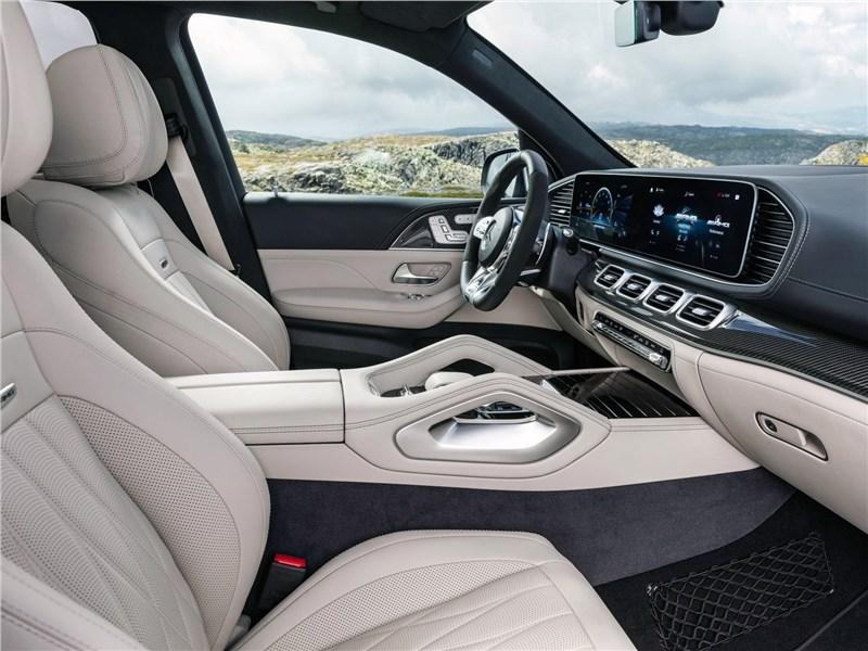 Mercedes-Benz GLE63 S AMG 2021 передние кресла