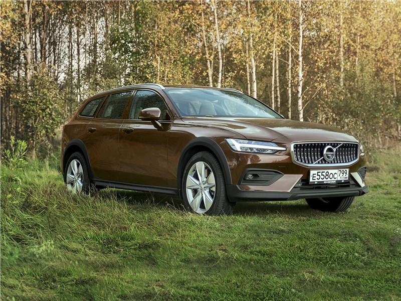 Volvo V60 Cross Country - есть ли претензии к генетике volvo v60 cross country 2019