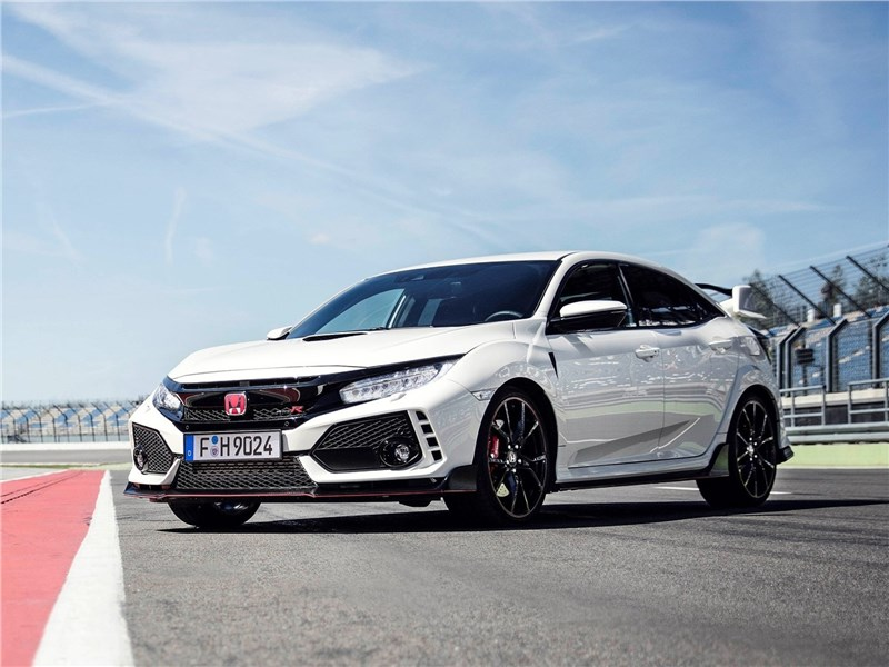 Honda Civic Type R 2018 вид спереди